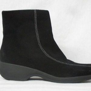 Clarks Suede Black Boots Size 9M